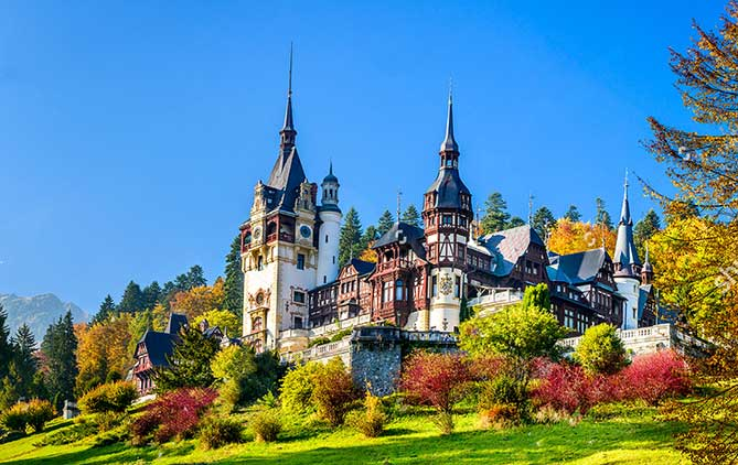 Romania.org - showing the Peleș Castle